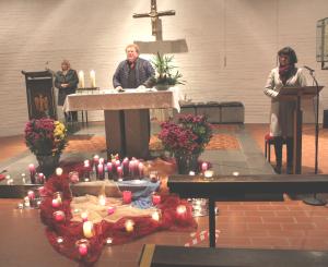 Als Atempause für die Seele wurden von den Zuhörern die von (v. l.) Regina Sellner, Pfr. Markus Krell und Eva-Maria Kelch vorgetragenen Texte wahrgenommen.